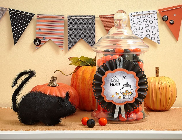 Make Your Halloween Party Spooktacular! #ctmh #closetomyheart #halloween #halloweendecor #ctmhnevermore #diypartydecor