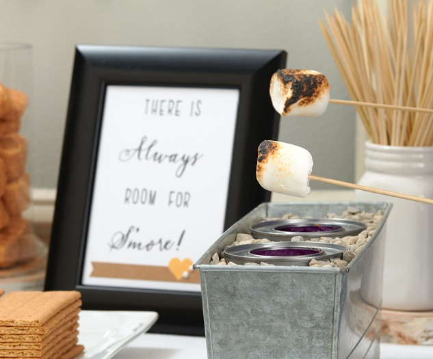 Create a s'mores bar for your next party! #ctmh #closetomyheart #partyideas #dessertideas #easypartyideas #s'mores