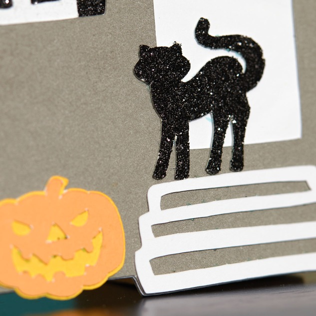 Create your own paper Halloween village! #ctmh #closetomyheart #diyhalloweendecor #halloweencrafts #cricut #halloweendecorations #crafting