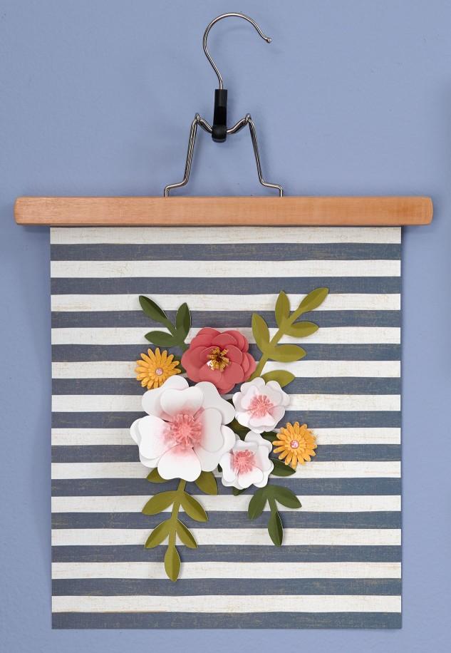 8 Tips for Creating a Gallery Wall #closetomyheart #ctmh #littlegirl #girlsroom #homedecor #tips #gallery #wall #cricut