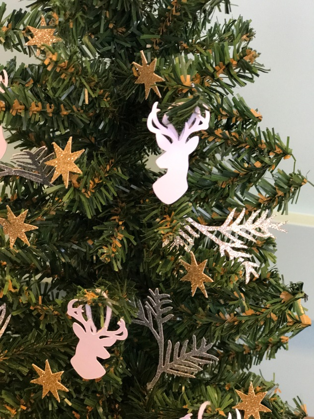 paper ornaments #ctmh #closetomyheart #paperornaments #ornaments #diy #Chrismas #tree #cricut #deer #reindeer #branches #gold #star #glitter