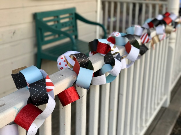 Kid Friendly Garland #ctmh #closetomyheart #holiday #christmas #garland #paper #chain #diy #kid #children #child #friendly #craft #crafting #creativity #family #time